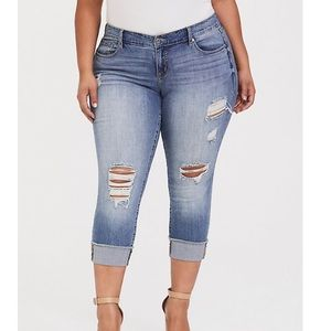 TORRID Crop Boyfriend Distressed Jeans 18 NWT